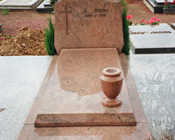 Plaques funéraires à Gembloux. Marbrerie Michel Dricot, plaques funéraires en marbre